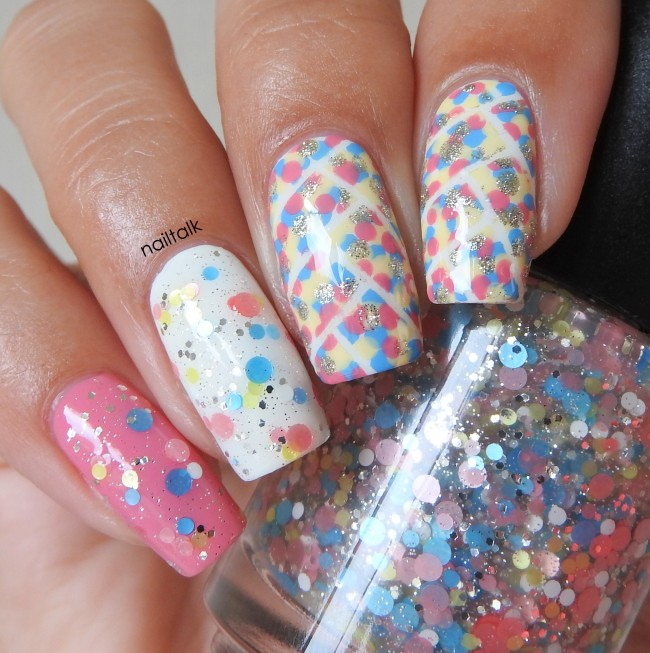 Dots All Over – Nail Art