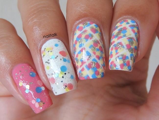 Dots all over nailart