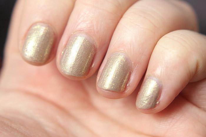 kiko 479 pearly golden sesame nail lacquer