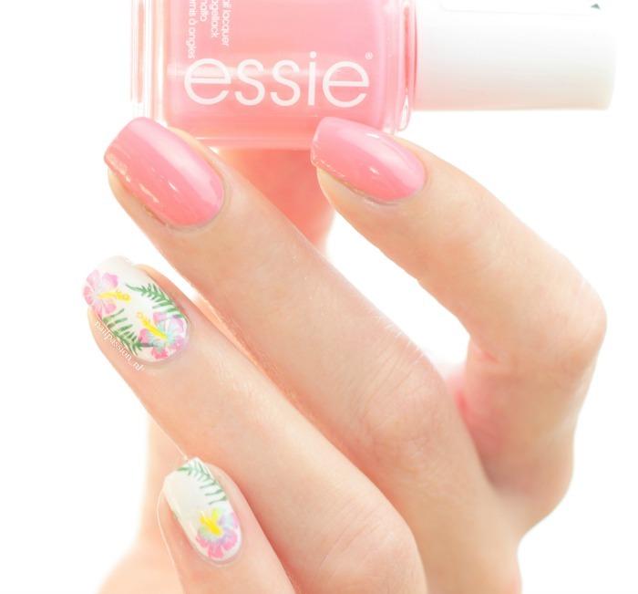Nail Art Hibiscus Roze