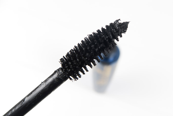 Catrice Pret-a-Volume smokey mascara waterproof 1