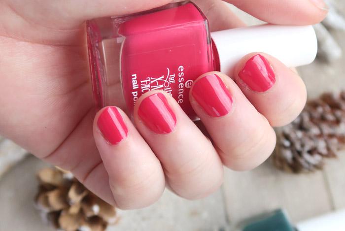 essence the little x-mas factory nail polish santa baby