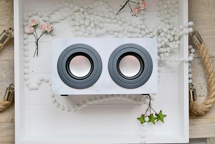marmeren portable speaker action