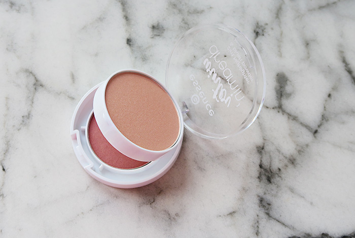 essence winter dreamin' blush highlighter