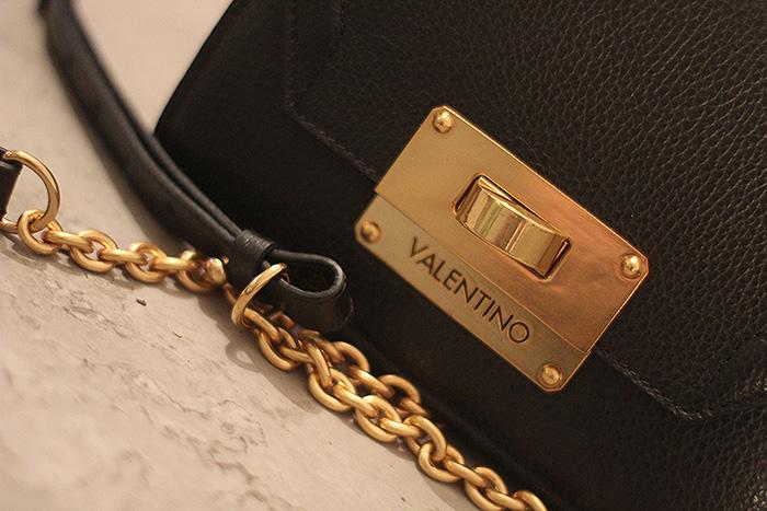 valentino schoudertas zwart goud