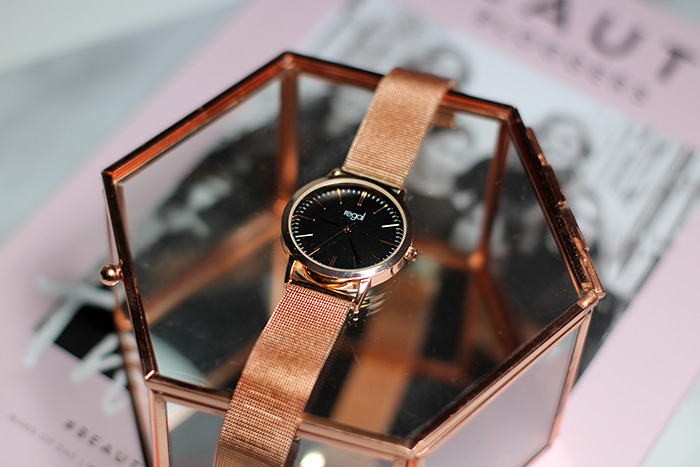 Bronzen Regal horloge – love brons