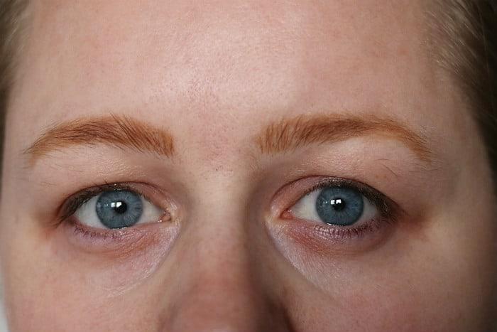 makeup revolution brow tint taupe na een dag
