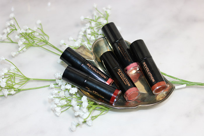 5x Makeup Revolution cream lipstick uit de Lip Advent Calendar