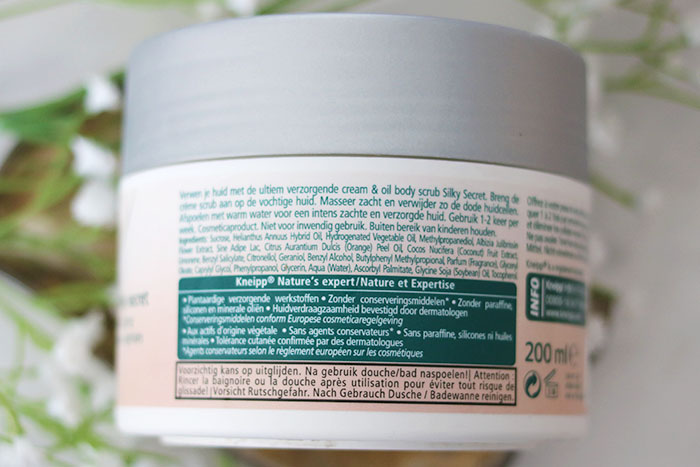kneipp cream & oil body scrub achterkant
