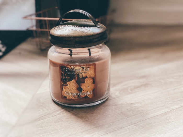 chestnut hill gingerbread candle